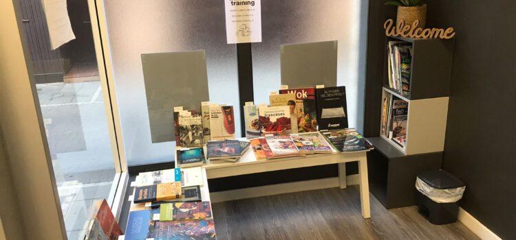 Sant Jordi en Invisible Training, mucha fisioterapia y muchos libros