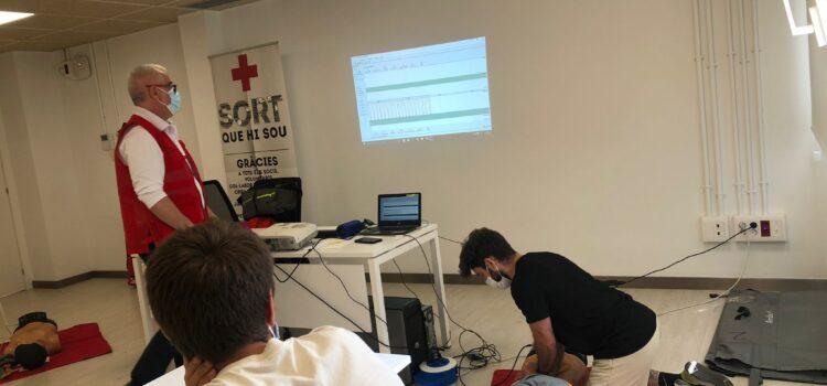 Curso de Soporte Vital Básico con DEA, Invisible Training de formación  en la Cruz Roja